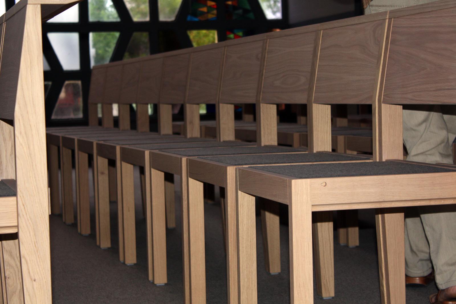 Kirchenstühle für sakrale Räume von Stoelcker Kirchenstühle